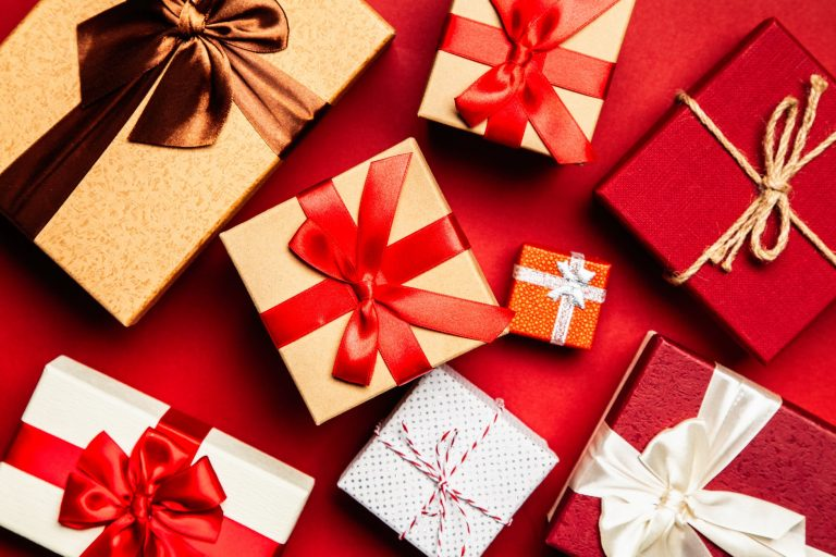 Various benefits of buying gifts online