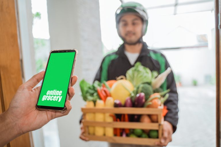 An Entrepreneur's Ultimate Guide to Launch a Grocery Delivery App like Instacart